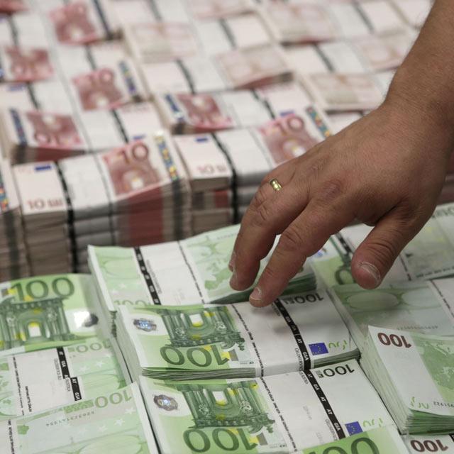 Vol-a-la-banque-de-France-500.000-euros-caches-dans-le-jardin