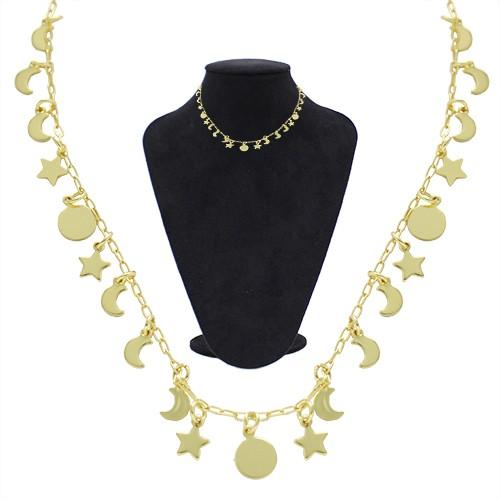 Gargantilha folheada a ouro com pingentes de estrela, lua e círculo